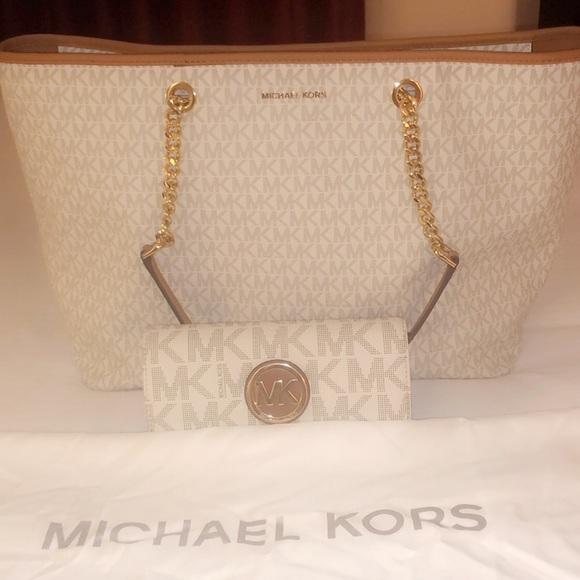 Michael Kors Jet Set purse & Michael Kors wallet.